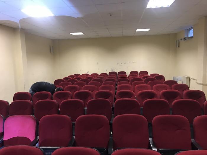 konferans koltuğu tamiri